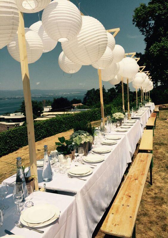 mariage blanc, lampions, lanternes, mariage extérieur, table de fête