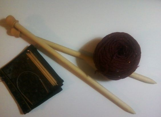 From sock needles to rug needles! I made the US19 needles from a 15mm dowel rod (which is very close to 5/8 inch).