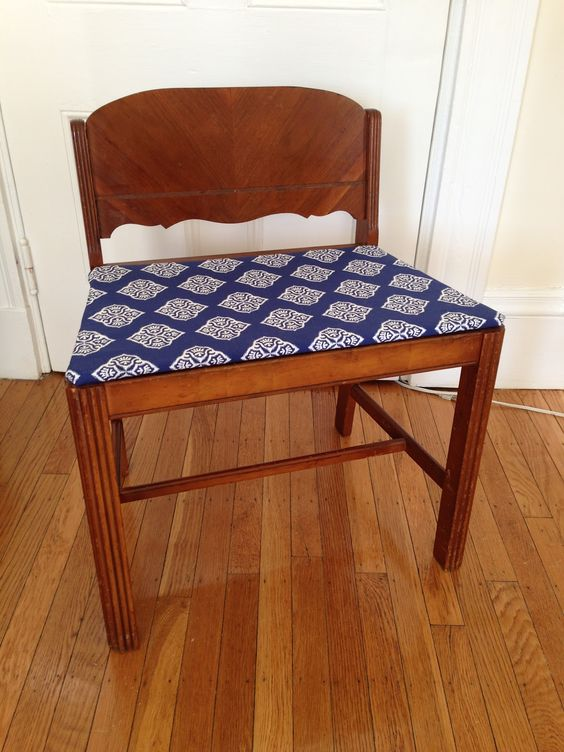 Vanity Stool Diy Stool: The Superettes: DIY Reupholster A Vanity Bench