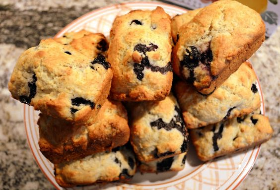 Mille Fiori Favoriti: Blueberry Buttermilk Muffins