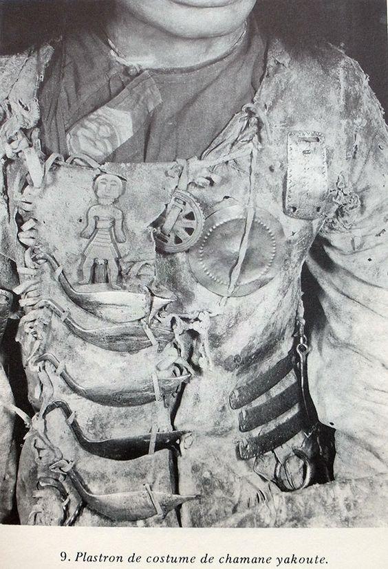 Plastron de costume Yakoute in R. Hamayon, La chasse à l'âme, 1990