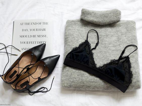 Ballerines pointues à lacets + épais pull gris perle + délicate lingerie = le bon mix (blog Vienna Wedekind)