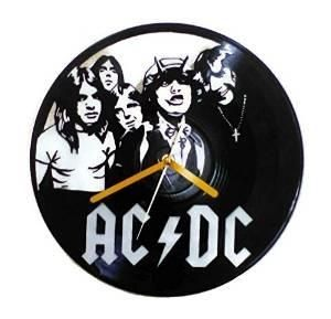 Crafts Using LP Records | ... vynil record clock 22 Decorative Objects Ideas Using Old Vinyl Records