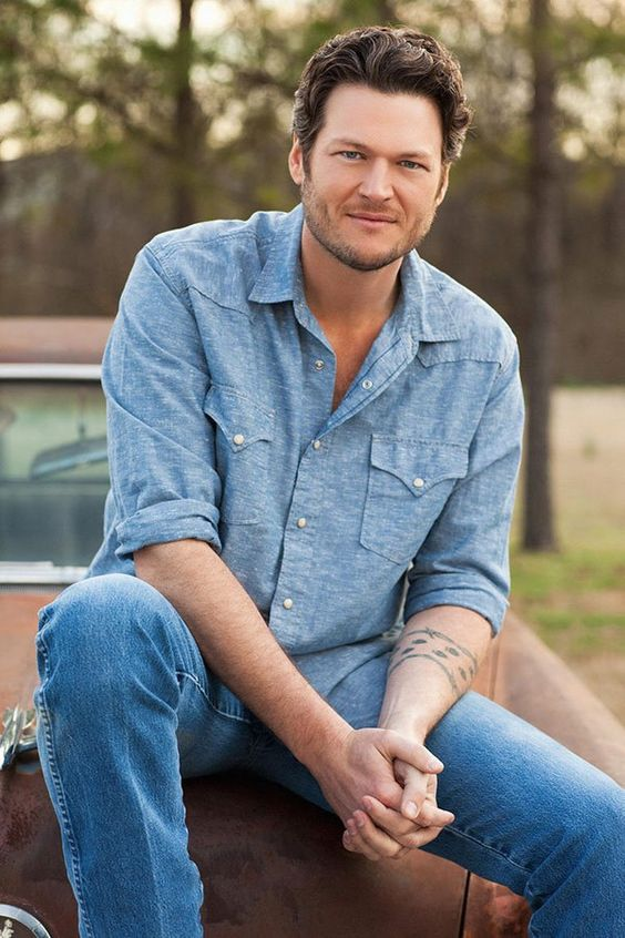 You could get lost in Blake Shelton's baby blues i love me some blake shelton