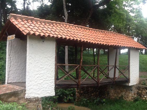Puente Doña Luz, las colinas Country club.