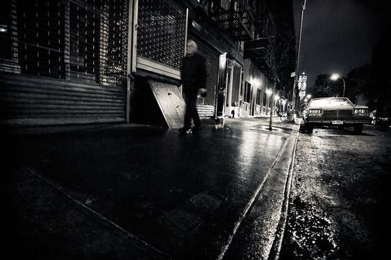 Passeio Noturno / WalkingThrough Noir.