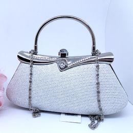 Bolsa de festa, Clutch branca com prata  99,90  Vendas no site