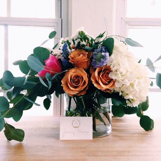 """""""Happy Monday!!! We loved doing the arrangements for a spring bridal shower this weekend! Weddings around the corner!!  #weddingwire #weddingflowers…"""""""