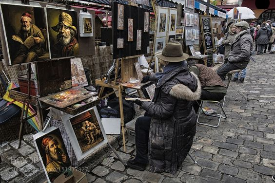 gaia-is-beautiful:  Place du Tertre by SR3049 See the artist's work at http://500px.com/photo/151977927 The artist's gather together at the Place du Tetre in Monmartre Paris. The quality of the work is amazing