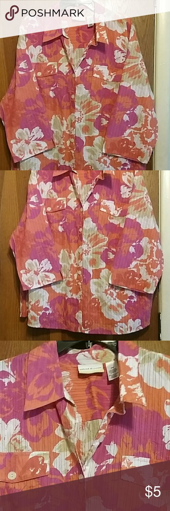 Ladies Alfred dunner top Button up top with 2 pockets.  3 quarter length sleeve   Salmon, pink , white, with some tan Alfred Dunner Tops Button Down Shirts