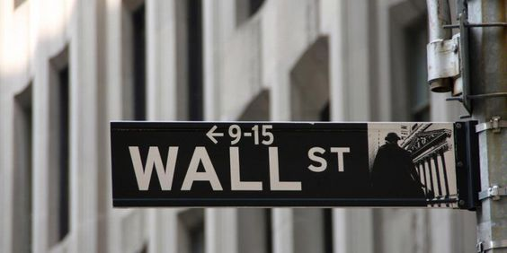 Dow Jones Industrial Average kembali catat rekor baru  PT Rifan Financindo Berjangka Indeks Dow Jones Industrial Average naik 45,82 poin atau 0,24 persen menjadi 19.216,24 poin. Indeks S&P 500 naik 12,76 poin atau 0,58 persen menjadi 2.204,71 poin, dan indeks komposit Nasdaq melonjak…