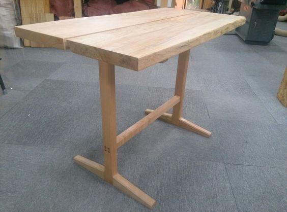 두다리 테이블