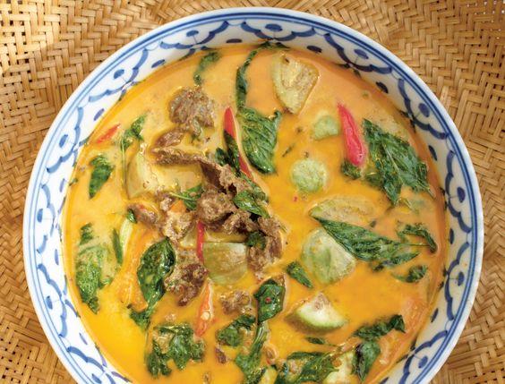 Parmi les livres de cuisine du monde, il y en a un qui s'est particulièrement démarqué à nos yeux ce mois-ci : Thaïlande, le livre de cuisine, paru aux...
