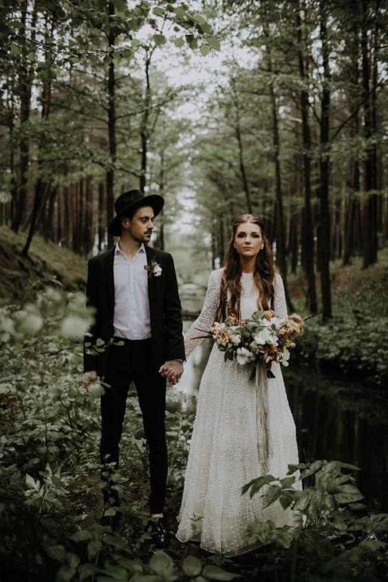 Elopement wedding: dicas e muita inspiração para um lindo casamento a dois. #casamentoaoarlivre #casamento #wedding #noivos #elopementwedding #microwedding #casamentodossonhos