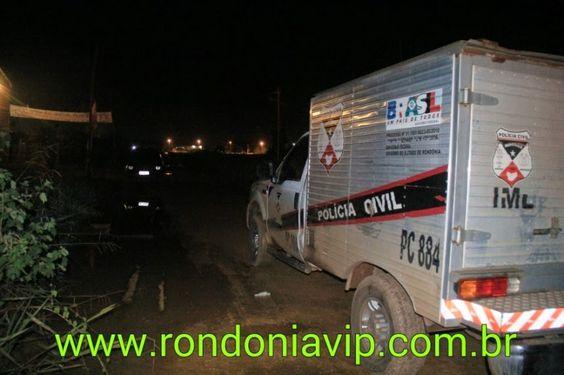 R12 Noticias: #imagensfortes:Homem é morto com várias facadas em...