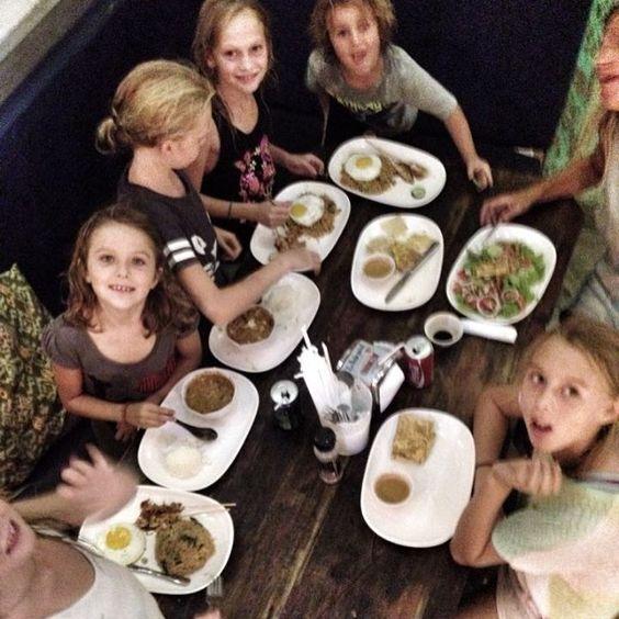 Roti canai Canggu #yummy#eatinbali#cangguchronicle#thebalibible#canggu#wheretoeatinbali#eatinbali#aftersurfbali#echobeach#foodiesbali#foodiegodisland#bestinbali#thegu#theguguide#breakfast#lunch#diner#foodiegodisland #foodiesbali#aftersurfbali#healthy#canggueats#makananbali#makananbali#makananenak#makanan#batubolong#bali#healthy by roticanaicanggu