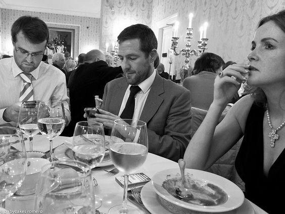 Cultura Inquieta - La muerte de la conversación: un fotógrafo captura la obsesión que tenemos con nuestros móviles