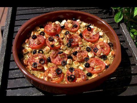Trigo bulgur con tomates, aceitunas y feta