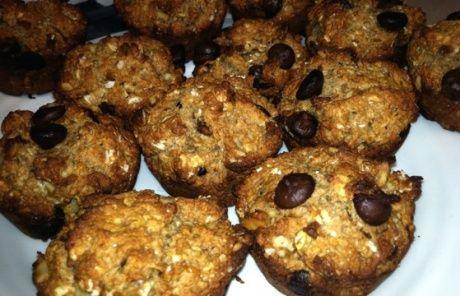 oatmeal chocolate chip muffins via saran/jillian michael