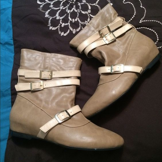 NEW Tan Boots. Size 10 $3,$4,$5 ITEMS MUST BE BUNDLEDPrices in this Closet are LOW AND FIRM. No bargaining needed Makes it so much easier to just offer low low prices from the start ASK ALL THE QUESTIONS YOU WANT BEFORE PURCHASING. BUYER AND SELLER AGREE ALL SALES ARE FINAL. TRADE VALUE IS $5.00 HIGHER THAN LISTED SALE PRICE!! Shoes Ankle Boots & Booties