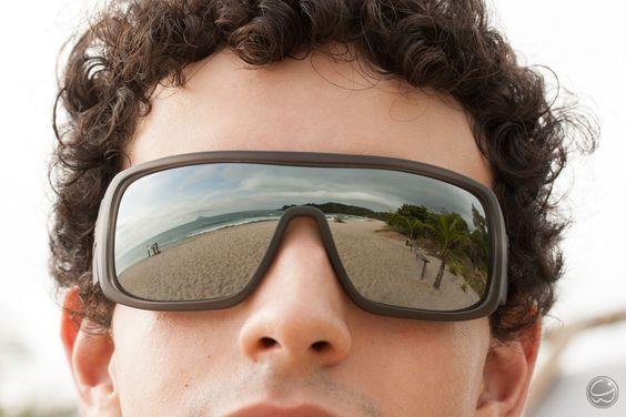 A praia vista de um ângulo diferente! 8) #óculos #carvin #hb #espelhado #mirror #praia #beatch #mar #summer #verão #surf #eyewear