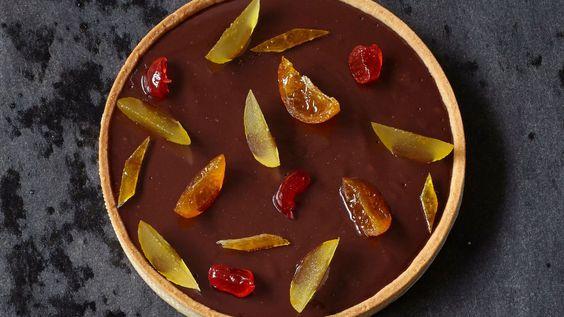 Tarte fondante au chocolat et fruits confits de Claire Heitzler.