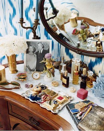 .: Dressing Rooms, Dressing Tables, Vintage Vanity, Vanity Tables, House Gardens, Aerin Lauder S, Lauder S Vanity