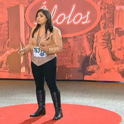 Flavia Lima prova que a família Striquer tem talento e conquista os jurados http://r7.com/ohNf