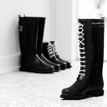 The coolest rain boots made by a Danish designer Ilse Jacobsen ...