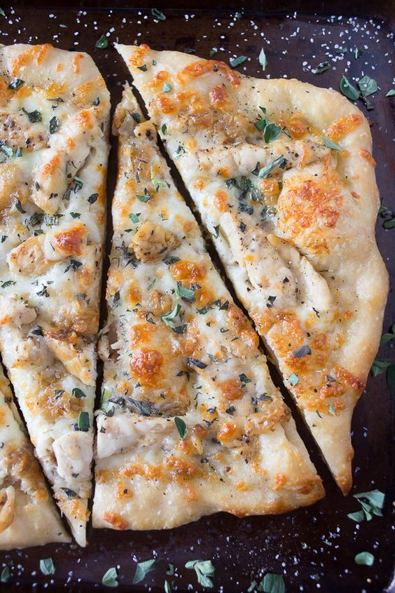 This copycat roasted garlic chicken pizza reminds me of my favorite California Pizza Kitchen pizza. So full of garlic flavor and ready in just 30 minutes.