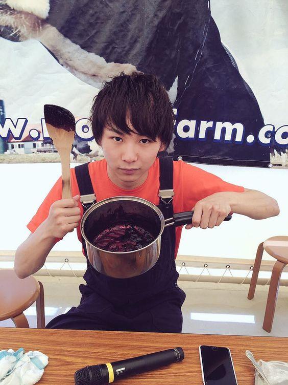 チョコを溶かす須賀健太