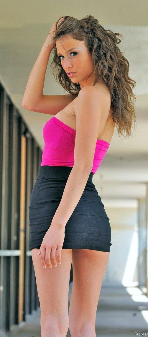 hot women in mini skirt | Gommap Blog