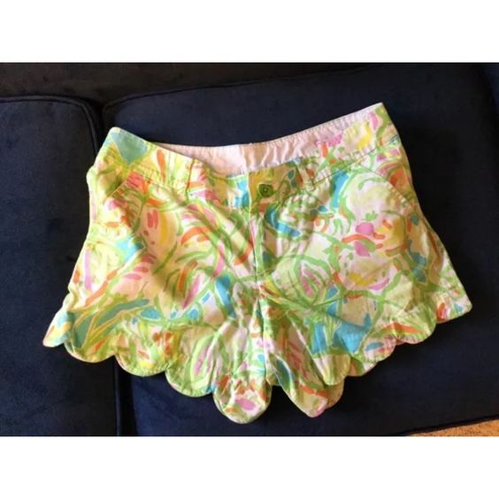 """Lilly Pulitzer Buttercup Shorts $45 on Ⓜ️ercari Beautiful pre-owned Lilly Pulitzer Buttercup shorts in """"Elephant Ears."""" Recently bought these but decided to downsize! In EUC! Size 6 Lilly Pulitzer Shorts"""