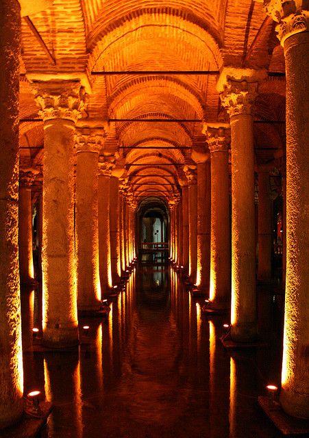 Yerebatan Sarnıcı (Basilica Cistern)  Osmanlı Mimarisi ve Sanatı  Pinterest...
