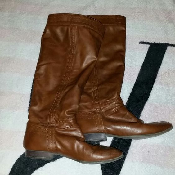 Brown boots Brown boots come just under knee in good condition:-) Shoes