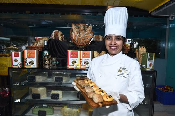 Chef Shereen Perez presents Honey Box – India First DIY Bread Making Kit