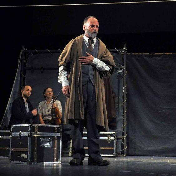 Foto: Yander Zamora. Shakespeare's Globe with Hamlet in Havana.