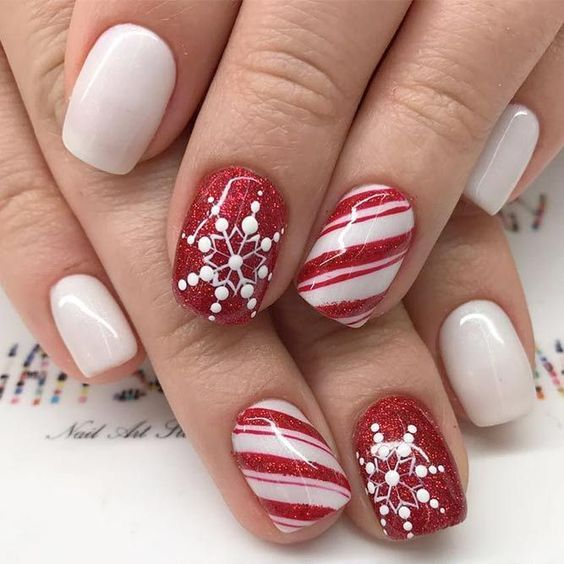 Winter Nail Designs Are Admired By Everyone Since We All Love Winter Holidays To Stay On T In 2020 Christmas Nail Art Designs Holiday Nail Designs Best Acrylic Nails