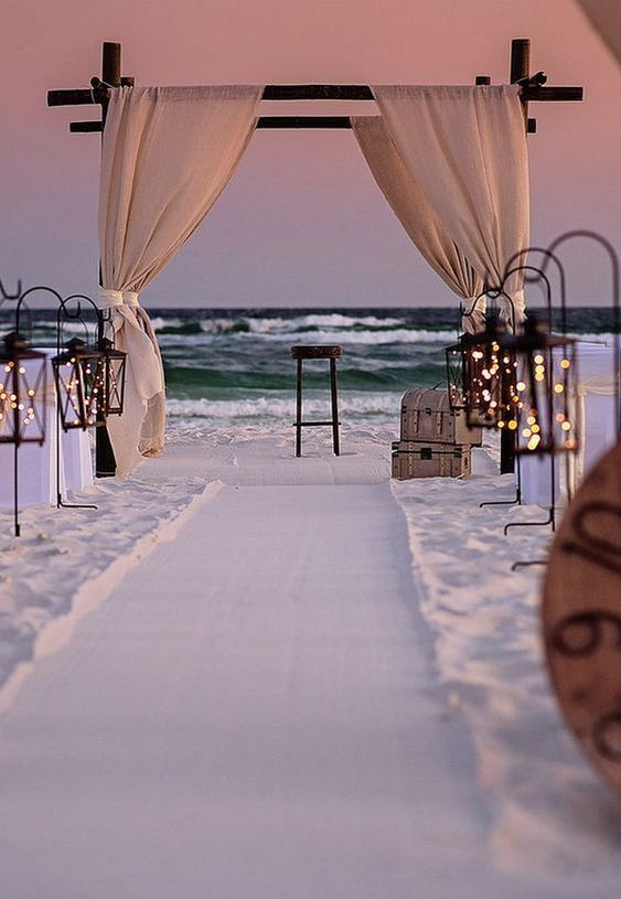 20 Beach Wedding Ideas On Your Big Day In 2020 Met Afbeeldingen