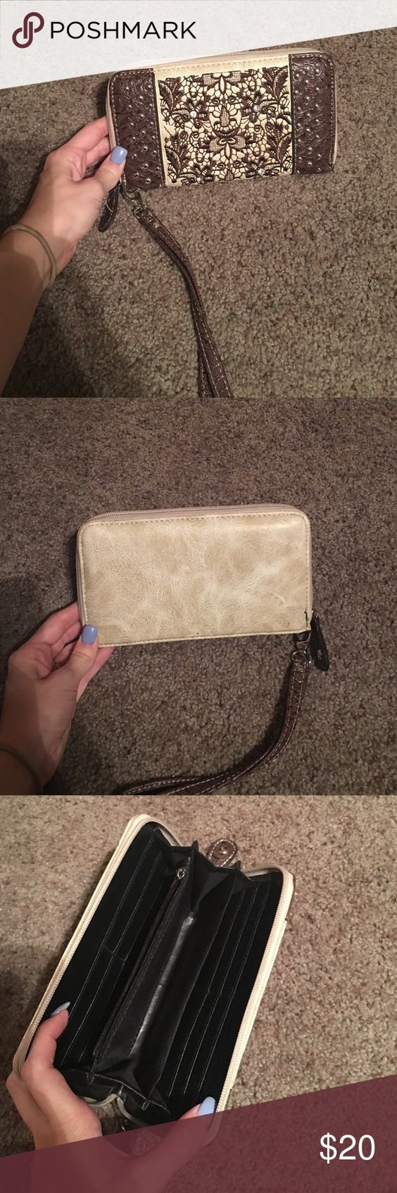 Shyanne matching wallet to purse listed Shyanne wallet in great condition shyanne Bags
