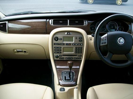 2008 Jaguar X-Type 2.1 LE - The Purr-fect Gift Shop