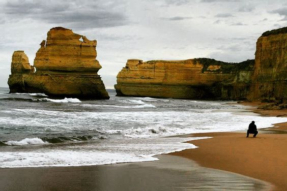 Flashback. #greatoceanroad #twelveapostles #australia #oz #aussie #aussiephotos #sea #waves #light #winter by frenzo