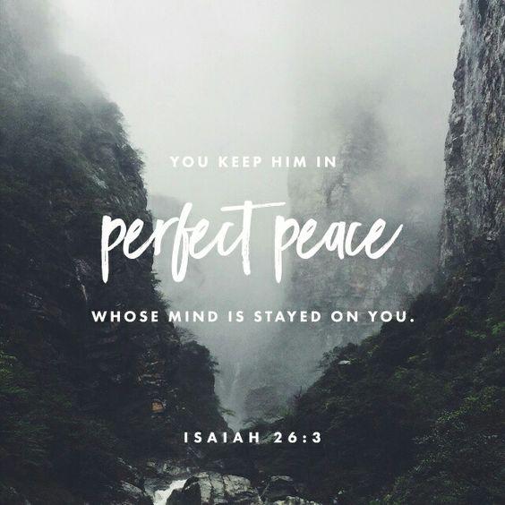 Al de carácter firme lo guardarás en perfecta paz , porque en ti confía. Isaías 26:3 NVI http://bible.com/128/isa.26.3.NVI: