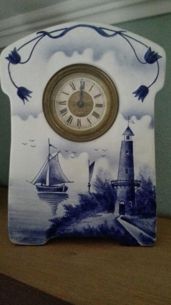 Antiek klokje in blauw wit