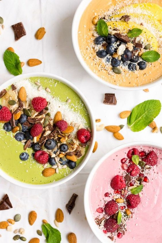 Smoothie Bowls are a fun way to get some fresh produce into your mornings! Start off with the same base and customise your bowls into one of my 3 recipes! Top them will all sorts of great ingredients and enjoy your colourful smoothie bowl in the morning!: