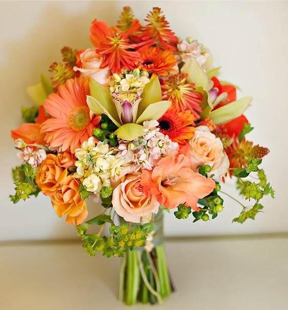 Bouquet em tom de pêssego e salmão