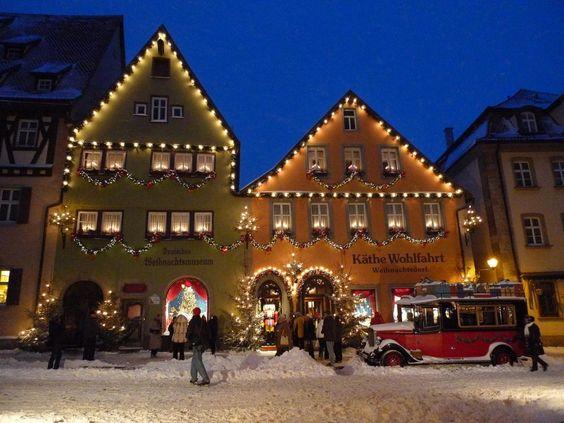 Deutsches Weihnachtsmuseum und Weihnachtsdorf von Käthe Wohlfahrt im Dezember 2012: