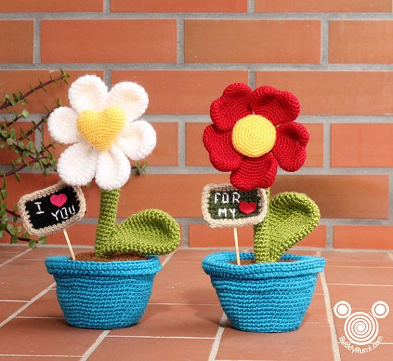 Original Crochet Amigurumi Flowers : PATTERN: Heart Shaped Flower, amigurumi crochet flower ...
