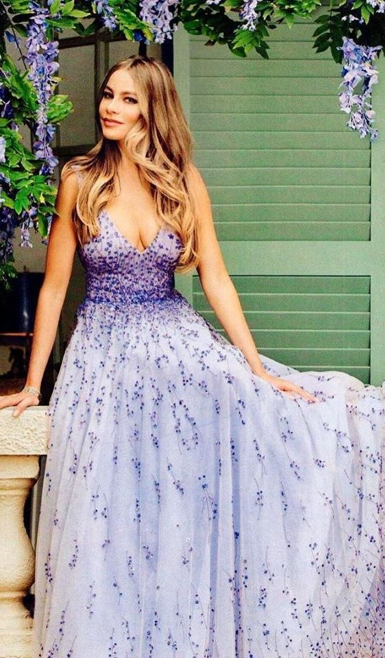 Sofia Vergara in Monique Lhuillier 2015
