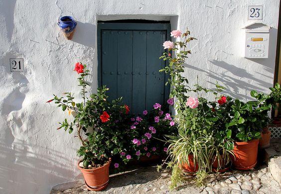 Un pueblo blanco que no puede ser más bonito en Andalucía (Frigiliana):
